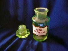 Beautiful Rare Apothecary Uranium Glass Vaseline Bottle Jar Big Mouth