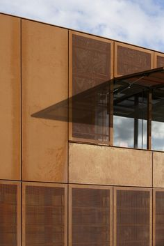 more opaque and perforated corten paneling ------Hackney Marshes Centre by Stanton Williams Japan Architecture, Architecture Details, Interior Architecture, Pavillion Design, Master Thesis, Stanton Williams, Big Architects, Exterior Wall Cladding, Round Building