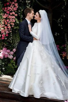 From Kate Moss and Cindy Crawford to Miranda Kerr, Ana Beatriz Barros and Kate Upton, we round up the most iconic supermodel wedding dresses of all time. wedding dresses The Most Iconic Supermodel Wedding Dresses Dior Wedding Dresses, Celebrity Wedding Dresses, Elegant Wedding Gowns, V Neck Wedding Dress, Chic Wedding, Celebrity Weddings, Luxury Wedding, Bridal Dresses, Wedding Styles