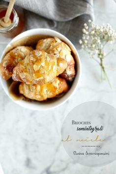 Cucina Scacciapensieri: Brioches semintegrali al miele e olio extravergine di oliva