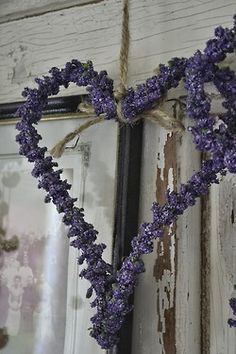 Purple flower hearts & rustic ~ lovingly repinned by www.skipperwoodhome.co.uk
