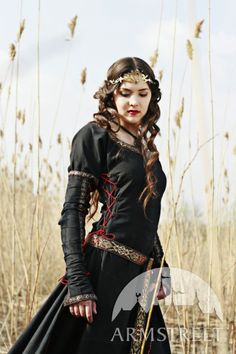 MEDIEVAL BLACK COTTON DRESS..hmmm i see this as a Halloween future...