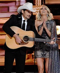 Brad Paisley pokes fun at Donald Trump at CMAs calls Carrie Underwood a 'nasty woman' American Country Music Awards, Male Country Singers, Best Country Music, Country Music Artists, Country Music Stars, Carrie Underwood Pictures, Kimberly Williams, Cma Awards, Brad Paisley