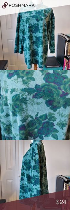 Vintage retro velvet green  rose garden shirt super soft and comfy blue green velvet rose garden xl or oversized top from White Stag. The camera on my phone had a really hard time getting the color correct, its much more of a beauiful rich emerald green than the faded blue green you see in the pictures White Stag Sweaters Cowl & Turtlenecks