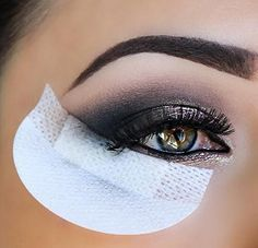 27 Tips And Tricks For Getting Your Makeup To Look The Best It Ever Has | eye shields