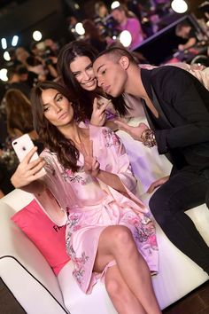 Lily Aldridge Photos - Models Lily Aldridge, Adriana Lima and Fashion Designer Olivier Rousteing pose backstage during 2017 Victoria's Secret Fashion Show In Shanghai at Mercedes-Benz Arena on November 20, 2017 in Shanghai, China. - 2017 Victoria's Secret Fashion Show in Shanghai - Hair & Makeup