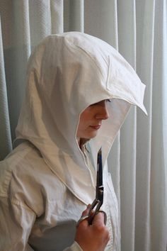 DIY Assassin's Creed 3 hood. Badass accurate hood