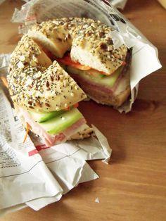 Recette du bagel Vietnamien : http://www.madmoizelle.com/recette-bagel-vietnamien-banh-mi-61444#sthash.xy0zXBf5.dpbs
