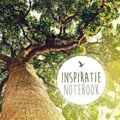 Inspiratie notebook  Ben jij ook zo iemand die altijd een opschrijfboekje bij zich heeft? Een boodschappenlijstje de titel van een liedje dat je wilt onthouden een brief aan je lief een lekker recept of een telefoonnummer alles kladder je in dat opschrijfboek. Het geeft rust in je hoofd en ruimte in je hart! Mooie notebooks heb je nooit genoeg en dit mooie Inspiratie Notebook is een echte beauty die je gewoon moet hebben! Prachtig vormgegeven en vol inspirerende en mooie quotes van bekende…