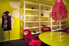 Kensiegirl footwear showroom - retail design