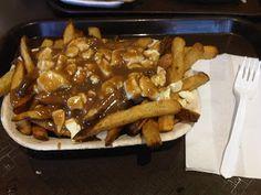 Zako's Deli 500W Cambie St. Poutine, Deli, Vancouver, Chicken, Food, Meals, Yemek, Buffalo Chicken, Eten