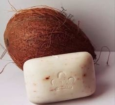 Formulated with rich, tropical ingredients high in vitamins, minerals and fatty acids, Coconut Oil and Papaya Extract nourish the skin.   Vanilla Beans buff skin as Papaya's enzymatic action gently exfoliates. Organic Shea Butter and Coconut Oil rehydrate the skin leaving it moisturized and renewed.  Have you tried our Coconut & Papaya soap yet?