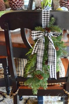 Top 40 Green And White Christmas Decoration IdeasGreen, the color of nature is relaxing, fashionable and beautiful. It creates a calm and cozy décor. The colors green and white also have religious connotations. They signify the hope we have for eternal life offered by Jesus. So here…