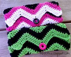 Graphic Chevron Clutch (Free Crochet Pattern) video too : thanks so! xox