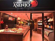 Fachada de la nueva tienda de Carnicería Asenjo.