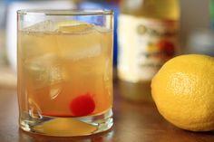 Amaretto Bourbon Punch - Dulcedo  http://dulcedoblog.blogspot.com/2015/05/amaretto-bourbon-punch.html