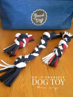 Need a new DIY dog toy? How about three?! These three dog toys are easy to make at home with old t-shirts! Perfect for pups that go through toys quickly!