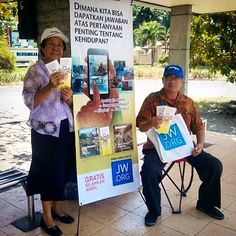 Public witnessing in Indonesia. Photo shared by @baligraph