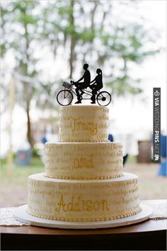 tandem bike wedding cake topper | CHECK OUT MORE IDEAS AT WEDDINGPINS.NET | #weddingcakes