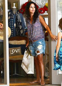 Rachel Bilson whilst shopping at Un Dimanche À Paris boutique in Barbados, June 2014