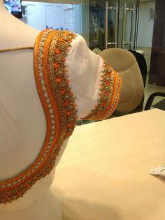 Wedding Saree Blouse Designs, Saree Blouse Neck Designs, Blouse Patterns, White Saree Blouse, Maggam Work Designs, Simple Blouse Designs, Back Neck Designs, Sleeve Designs, Work Blouse