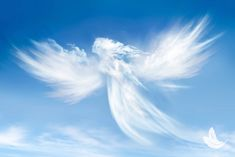 Karma Yoga, Angel Clouds, Les Chakras, Reiki Meditation, Les Religions, Doreen Virtue, Angels Among Us, Real Angels, Angel Pictures