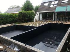 Zwemvijver met alkor zwarte vijverfolie zwembaden jr pools pinterest met - Zwarte pool liner ...