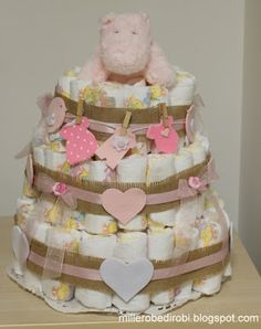 Robe di Robi: Una torta di pannolini per la nascita di Sofia Baby Shower Baskets, Baby Shower Gifts, Diaper Cakes, Hobby, Birthday Cakes, Babyshower, Children, Crafts, Valentines Day Weddings