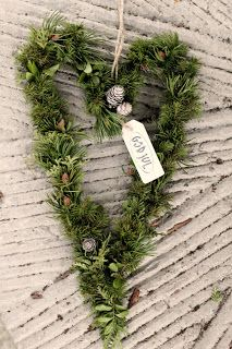 40 Wonderful rustic Christmas decoration ideas for your yard Swedish Christmas, Natural Christmas, Scandinavian Christmas, Country Christmas, Winter Christmas, All Things Christmas, Christmas Time, Holiday, Natal Natural