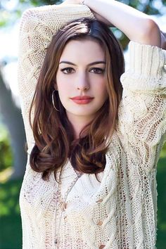 Anne Hathaway is an American film, television and stage actress and singer. She is best known for her roles in the films The Princess Diaries, Rachel Getting Married, The Devil Wears Prada, Love an… Beautiful Celebrities, Beautiful Actresses, Most Beautiful Women, Beautiful People, Hollywood Celebrities, Hollywood Actresses, Actors & Actresses, Anne Jacqueline Hathaway, Ella Enchanted