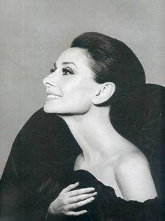 Portrait Inspiration – Beautiful Profiles -Audrey Hepburn