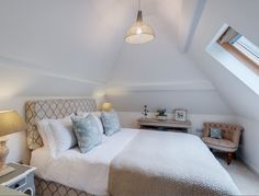 Little Gillyflower is a beautifully romantic self-catering cottage right on the river's edge near Gunnislake; just perfect for lovebirds looking for a romantic escape in the peaceful Tamar Valley on the Cornwall and Devon border. Beautiful Interior Design, Beautiful Interiors, Cottage Living, Cottage Style, Living Room, Cornwall, Coastal Bedrooms, Seaside Bedroom, Cottage Bedrooms