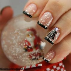 Are you looking for some holiday nail art? Check out some christmas nail art, christmas nail art designs, christmas nail ideas and easy christmas nails that you can try during your holiday season. Fancy Nails, Love Nails, Pretty Nails, Style Nails, Sparkly Nails, Christmas Nail Art Designs, Holiday Nail Art, Christmas Design, Chrismas Nail Art