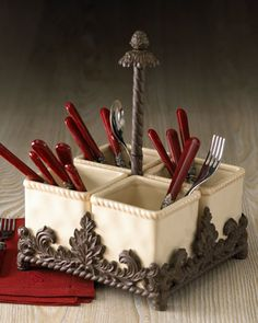 H4DZ8 GG Collection Ceramic Flatware Caddy