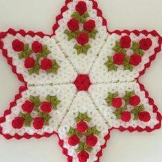 Crochet Tablecloth, Crochet Doilies, Crochet Potholder Patterns, Christmas Tree, Christmas Ornaments, Pot Holders, Holiday Decor, Diy, Asdf