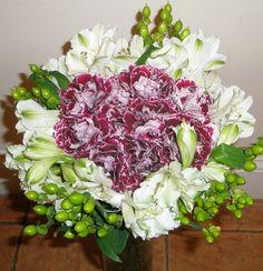 Carnations + alstroemeria + hypericum - Lilia Basulto