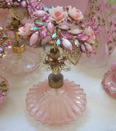 Beautiful Vintage Perfume Bottles / Rhinestones and Navettes Cluster Roses Spray Filigree Top Pink Perfume, Beautiful Perfume, Chic Perfume, Antique Perfume Bottles, Vintage Perfume Bottles, Perfumes Vintage, Fru Fru, Altered Bottles, Romantic Roses