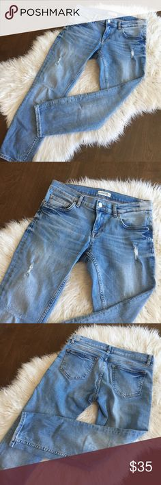 "Zara Distressed Light Wash Skinny Ankle Jeans Inseam -26"", Rise - 8"". Distressed ankle length Skinny Jean. Excellent condition. Zara Jeans Ankle & Cropped"