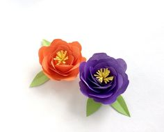 DIY paper peonies with free printable template. Save and click through to learn how to make paper flowers. [how to make paper flowers, DIY paper flower template, easy paper flower tutorial, paper craft]