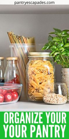 Cleaning Need to get a handle on the overwhelming food clutter in your pantry? Check out this guide to organizing your pantry the right way! Kitchen Pantry, Diy Kitchen, Diy Cleaning Products, Cleaning Hacks, Pantry Organization, Organizing, How To Make Jelly, Pantry Labels, Baking Supplies