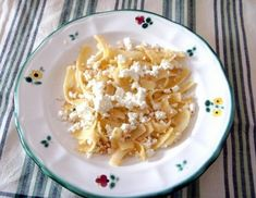 Bröselnudeln mit Topfen Macaroni And Cheese, Pasta, Ethnic Recipes, Food, Clarified Butter, Easy Meals, Chef Recipes, Cooking, Food Food