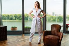 Bíla vesta s jemným detailem všívaných štrasových zipů a bílé kalhoty.  Složení (satén, bavlna , polyester, elastan) Vel:38 Cena: 270€ vesta , 230€ kalhoty White  elegant vest and throusers with detail of shine zipper. Material( saten, coton, polyester,elastan) Size 38 Price: 270€ vest, 230€ throusers #designers #interiordesign #fashion #fashionbrand #luxuryliving #follow4follow #instagood #follow #luxury #london #newbrand #luxurybrand #paris #milano #prague #women #dress #men #menswear…
