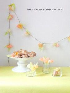 Como hacer una guirnalda con flores de papel
