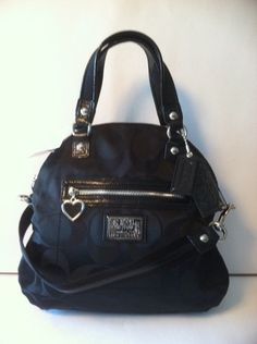 COACH SIGNATURE CROSSBODY BAG retail for 258.00 on sale for $145.99 at blomming.com/mm/giaconisboutique/items