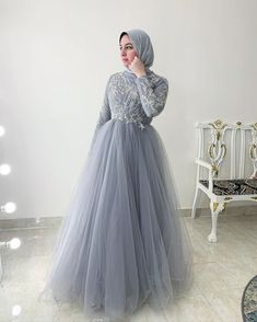 Source by dresses hijab Hijab Prom Dress, Muslimah Wedding Dress, Hijab Evening Dress, Hijab Wedding Dresses, Bridal Dresses, Evening Dresses, Dress Muslimah, Tea Length Bridesmaid Dresses, Prom Dresses Long With Sleeves