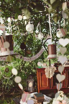 Alice in Wonderland Birthday Party Ideas | Photo 1 of 38