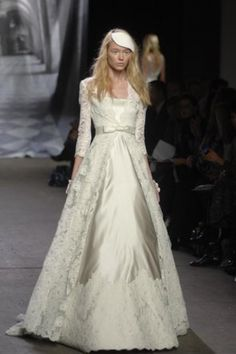 Location robe de mari e iseult herv mariage robes de for Concepteurs de robe de mariage australien en ligne