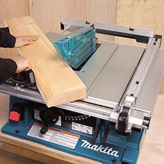 Makita 2704 Contractors 15 Amp Benchtop Table Saw (Discontinued by Manufacturer)