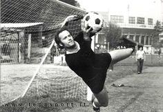Tantissimi Auguri al Mitico Massimo Piloni (Ancona, 21 agosto 1948) ⚽️ C'ero anch'io … http://www.tepasport.it/  Made in Italy dal 1952