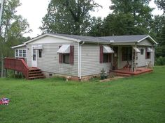 Over 2 acres of privacy in Inman/Boiling Springs - Doublewide with florida room and a second single wide on the property as well.  With some TLC this can be a great investment or a great first home!